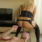No tv shit and pee with PrincessNikki Scat Slave Porn [FullHD]